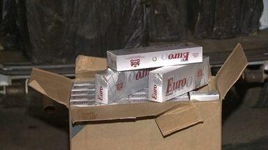 Uma tonelada de cigarros é apreendida no Gama - Três homens foram presos com a carga. A polícia acredita que os cigarros eram do Paraguai.