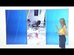 Criminosos explodem caixas eletrônicos em São José do Safira - Agência deve ficar interditada pelos próximos dias.