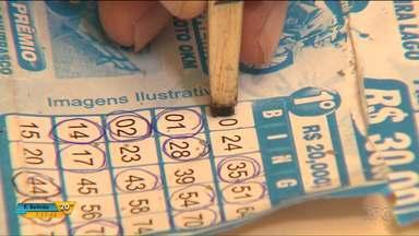 Bandidos aplicam golpe em festa beneficente em Alvorada do Sul - Eles mudaram as cartelas de um bingo na festa beneficente da APAE para ganhar os prêmios.