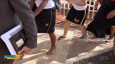 Alunas são impedidas de frequentar a sala de aula por usarem saias em Maringá - O caso foi parar na polícia.