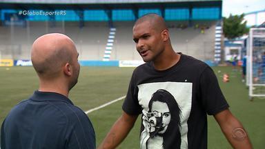 """Noia pode ser multado por episódio de racismo contra o jogador Wagner do São José - Torcedor chamou jogador de """"macaco""""."""