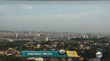 Confira a previsão do tempo para esta quarta-feira (12) em Ribeirão Preto, SP - De acordo com meteorologistas, a temperatura máxima deve ser de 28ºC, com pancadas de chuva isoladas.