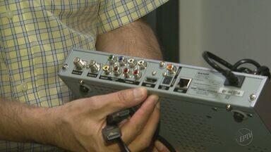 Veja como transformar o sinal analógico em digital em televisores que não tem HDMI - Faltam seis meses para o sinal ser desligado na nossa região.