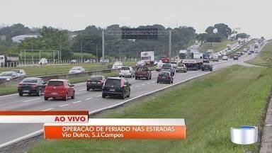 Saída para feriado amplia movimento estradas da região - Movimento deve ficar mais intenso a partir desta sexta.
