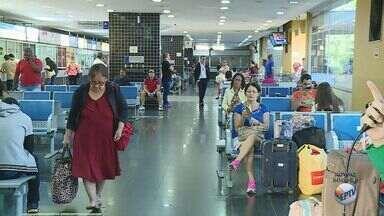 Viajantes aproveitam feriado da Sexta-Feira Santa para passar a Páscoa com a família - Confira o movimento no Terminal Rodoviário de Ribeirão Preto (SP).