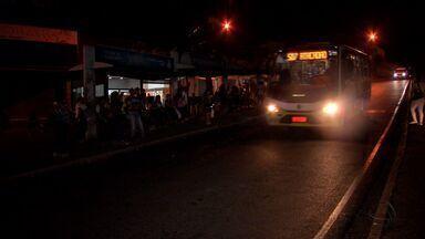 Veja quais linhas de ônibus não param mais na Praça Maria Taquara - Transporte coletivo: veja quais linhas de ônibus não param mais na Praça Maria Taquara.