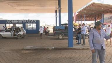 Início da reestruturação do local do Feirão do Produtor em Ji-Paraná está atrasado - Estava previsto para começar nesta quinta-feira a reestruturação da feira do produtor de Ji-Paraná. O local já foi interditado pelo Corpo de Bombeiros, mas até agora a obra não começou.