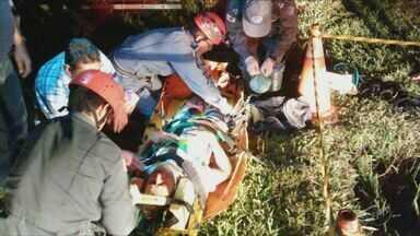 Andarilho é resgatado de dentro de bueiro na MG-050, em Itaú de Minas (MG) - Andarilho é resgatado de dentro de bueiro na MG-050, em Itaú de Minas (MG)