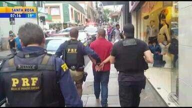 Dois homens são presos na operação Caixa de Pandora - Operação combate exploração sexual.