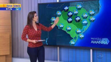 Tempo: sexta-feira (21) será de chuva no RS - Previsão segue de chuva no estado.