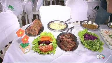 Festa Canção serve almoço e jantar neste feriado - São 15 barracas de entidades beneficentes oferecendo vários tipos de pratos.