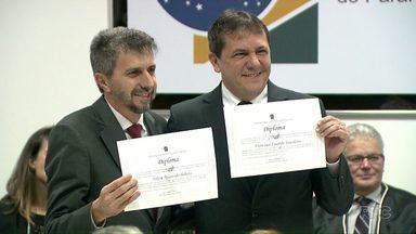 Prefeito eleito e vice de Foz do Iguaçu são diplomados - Cerimônia foi no fórum eleitoral.