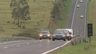 Seis meses após entrar em vigor, 'lei do farol' é desrespeitada por motoristas - Reportagem da EPTV flagrou casos de descumprimento em São Carlos.
