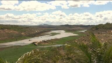 Açude de Boqueirão continua recebendo água da transposição - Hoje o açude ganhou mais três centímetros de água nova.