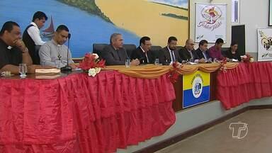 Câmara de Vereadores realiza sessão em homenagem aos 50 anos da RCC - Sessão aconteceu na manhã desta sexta-feira.