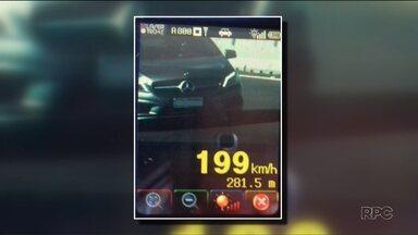 Quase oito mil motoristas foram multados por excesso de velocidade nas estradas - A Polícia Rodoviária Federal fez quatro dias de operação nas estradas do Paraná.