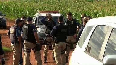 Três suspeitos do maior assalto já registrado no Paraguai são mortos - Polícia brasileira localizou grupo em cidade na fronteira com Paraguai. Homens usaram dez bombas para assaltar transportadora de valores.
