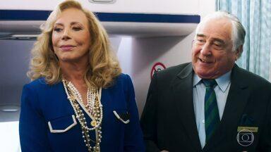 Brasil a Bordo - Episódio 5, na íntegra - Gonçalo e Berna retomam o controle da Piorá. Um passageiro com bomba sequestra o avião por um motivo inusitado.