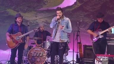 Luan Santana canta sucesso 'Dia, Lugar e Hora' - Hit levanta a galera do Caldeirão