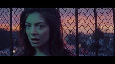 Lorde lança 'Melodrama' e conta o que aconteceu em quatro anos de fama - Cantora, que estourou mundialmente aos 16 anos, chega aos 20 e encontra a reportagem no Chateau Marmont, o hotel mais rock'n'roll de Los Angeles.