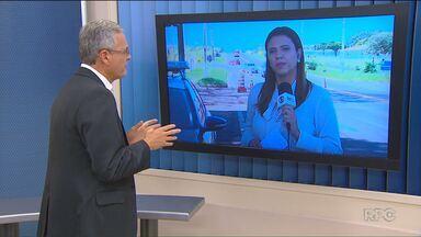 Quatro pessoas morrem em acidente na BR-376, em Alto Paraná - Segundo a Polícia Rodoviária Federal o acidente envolveu um carro e uma carreta carregado com madeira. A PRF também divulgou um balanço sobre os acidentes nas rodovias federais no feriadão do Dia do Trabalho.