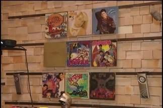 Exposição reúne acervo dos anos 80 no em Uberlândia - Visitantes podem usar os brinquedos, videogames e discos. Mostra 'I love anos 80' reúne mais de 400 itens até o dia 21 de maio, no Uberlândia Shopping.