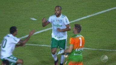 Com contusão de Hernande, Bahia sonda Alecsandro do Palmeiras, em busca de um atacante - Segundo o empresário do atleta, o tricolor ficou de apresentar uma proposta, mas isso não aconteceu até o momento.