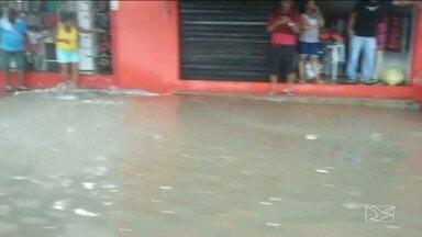 Chuvas causam problemas na região do mercado central em São Luís - Problema na região é antigo e causa transtornos e prejuízos a população.