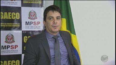 Advogados são presos por suspeita de extorsão em Ribeirão Preto, SP - Ex-coordenadora da Comissão de Direitos Humanos da OAB em Ribeirão Preto está entre os cinco presos na Operação Coiote. Gaeco e PM também cumpriram mandados de busca e apreensão.