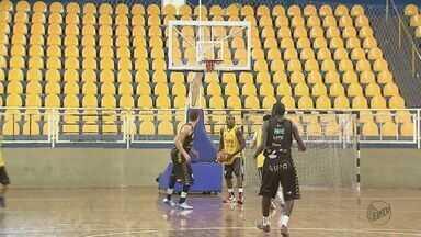 Equipe de basquete de Araraquara se prepara para a Série A1 Paulista - Fase é de recomeço para o time, que há cinco anos não disputava um campeonato de expressão.