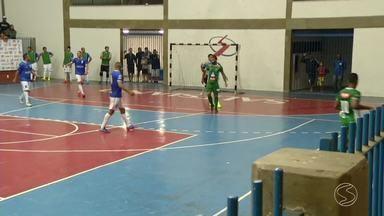 Futsal: Resende vence Sapucaia de virada por 3 a 2 e se classifica - Juninhos fizeram os gols decisivos e garantiram ao time o segundo lugar do grupo A da Copa Rio Sul.
