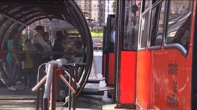 Mais de 300 ocorrências dentro de ônibus foram registradas pela prefeitura de Curitiba - O número foi divulgado no Mapa do Crime, que mostra todas as ocorrências registradas pela Guarda Municipal.