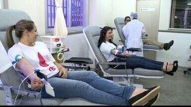 Funcionários da TV Gazeta Noroeste fazem doação de sangue no Hemocentro - Campanha de doação de sangue acontece em Nova Venécia neste sábado (6).