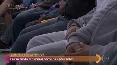 Ministério público de São Paulo promove curso para recuperar homens agressores - Tatiane Moreira Lima e Sérgio Barbosa falam sobre o projeto que tenta resgatar homens envolvidos em situações de violência doméstica. Eles dizem que o número de reincidentes tem caído desde o início do curso