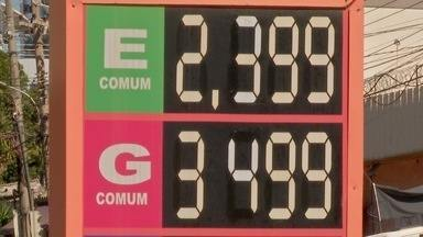 Preço da gasolina registra queda nos últimos meses - Preço da gasolina registra queda nos últimos meses.