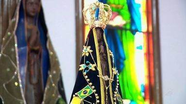 Chegada da imagem de Nossa Senhora Aparecida a Juazeiro propaga a fé na cidade - Fiéis católicos da cidade e romeiros lotam a cidade.