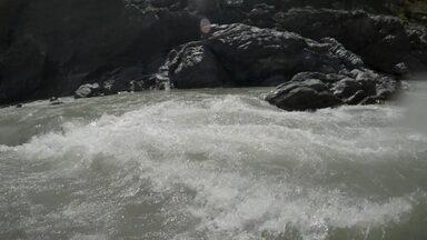 Rafting Descendo O Rio Alaknanda