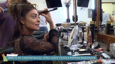Juliana Paes mostra o segredo do visual de Bibi - Atriz abre o armário de sua personagem em 'A Força do Querer' e revela que costuma fazer sua própria maquiagem