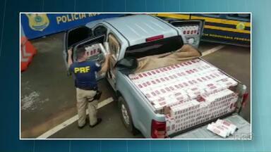 Polícia apreende caminhonete carregada com cigarros - Foram apreendidos 25 mil maços de cigarros contrabandeados do Paraguai.