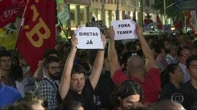 Protesto contra Temer no Centro deixa ao menos 3 feridos - O ato ocorria pacificamente, até um grupo de mascarados entrar em confronto com a polícia.