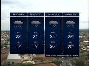 Áreas de instabilidade se espalham pelo Estado e deixam o tempo fechado - Neblina dificultou a visão de motoristas na manhã desta sexta-feira (19).