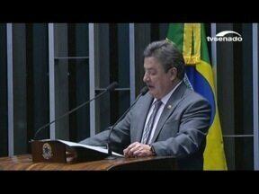 Secretário parlamentar de Perrella é exonerado após prisão pela PF - Mendherson Souza Lima é citado como pessoa que recebeu dinheiro pedido por Aécio Neves à JBS.