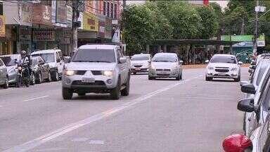 Uso do celular na direção é a segunda maior infração de trânsito em Cachoeiro, ES - E neste ano a Guarda Municipal multou mais motoristas que no ano passado.