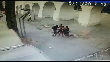 Prefeitura do Rio faz operação choque de ordem na Lapa - Ação acontece depois de o RJTV exibir flagrantes de assaltos em plena luz do dia na região boêmia.