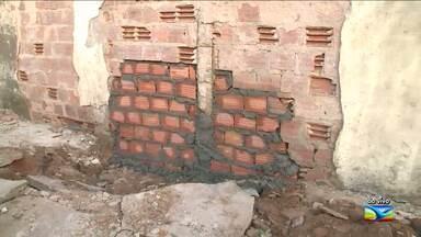 Muro do Complexo de Pedrinhas é reconstruído após fuga de presos no MA - Fuga no Complexo Penitenciário de Pedrinhas, em São Luís, ocorreu na noite de domingo (21).