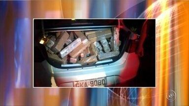 Polícia encontra grande quantidade de maconha após caminhão tombar na Raposo Tavares - Aproximadamente 265 quilos de maconha foram apreendidos pela Polícia Rodoviária após um caminhão tombar na noite deste sábado (20), na rodovia Raposo Tavares, em São Roque (SP).