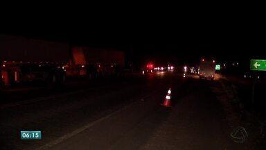 Acidente mata motorista e criança de 11 anos em Mato Grosso - Acidente mata motorista e criança de 11 anos em Mato Grosso.
