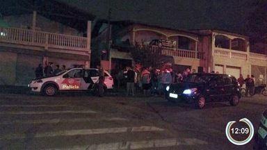 Três homens morreram no fim de semana em São José por causa de uma briga - Confusão foi em uma casa do bairro Nova Detroit.