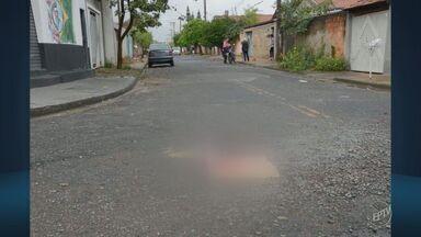 Idoso é assassinado durante assalto em Mogi Guaçu - Segundo a Polícia Militar, o homem, de 70 anos, foi agredido com um pedaço de madeira ao reagir.