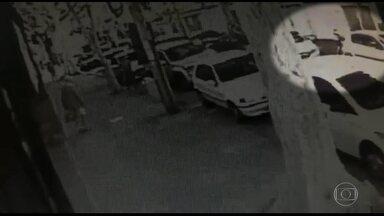 Ladrões fazem arrastão na porta de uma escola infantil em Vila Isabel - Bandidos assaltaram pais e pedestres na porta de uma escola infantil em Vila Isabel no momento em que as crianças entravam para estudar.